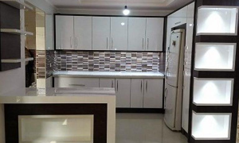 vاهنمای انتخاب طرح و رنگ در آشپزخانه های کوچک